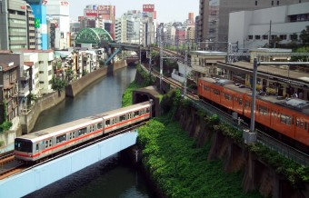 Tokyo does not subsidise its transport system! Is that the secret to its success?