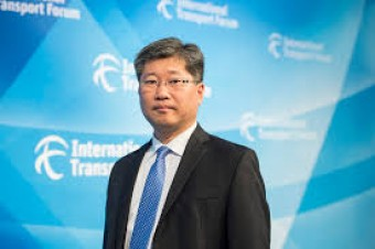 Young Tae Kim takes office as ITF Secretary-General
